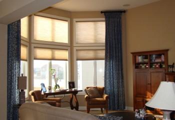 Окна во всю высоту стены – популярное проектное решение для современных домов