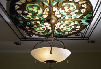 Классическая модель витражного светильника