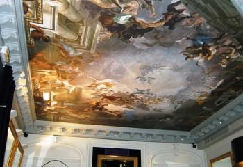 Произведение изобразительного искусства на потолке