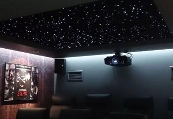 Потолок «звёздное небо» в домашнем кинотеатре