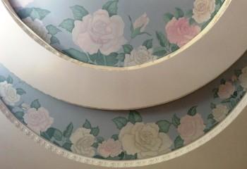 Декорирование двухуровневого гипсокартонного потолка