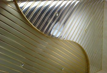 Многоуровневая реечная конструкция из металла