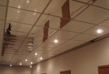 Зеркальный пластик на потолок – отличное решение