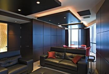 Использование черного цвета при декорировании потолка