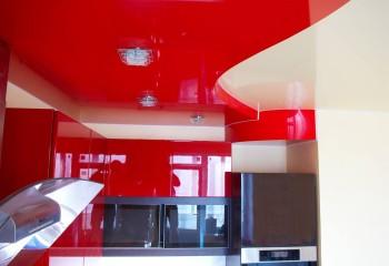 Разнообразие цветовых решений позволяет подобрать пленку под цвет фасадов кухонного гарнитура