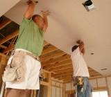 Подшивка потолка по балкам – экономим силы и время