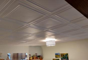 Потолок с геометрическим рельефом