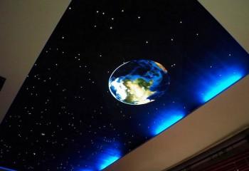 При помощи современных технологий вы можете создать у себя над головой настоящее звездное небо