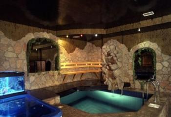 Отличный натяжной потолок для бани