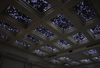 …а вот так может выглядеть потолок с использованием оптоволокна