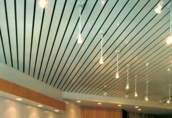 Открытый потолок из реек