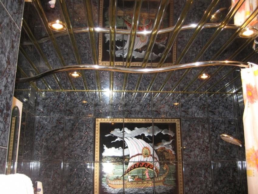 Алюминиевый потолок, очень гармонирует со стенами