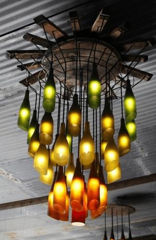 Лампа из окрашенных бутылок для лофтового интерьера