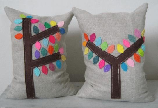 Подушки, сделанными руками умелиц