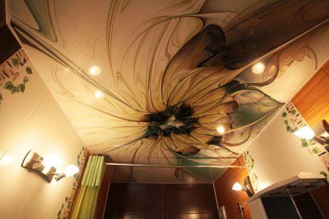 Абстрактный рисунок выполнен в цветовой гамме интерьера ванной комнаты
