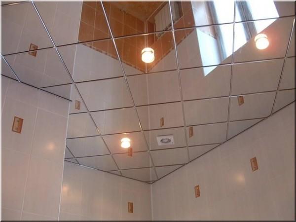 Алюминиевый потолок с зеркальной поверхностью
