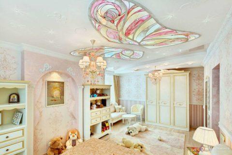 Бабочки часто выбирают при оформлении детской комнаты для девочки