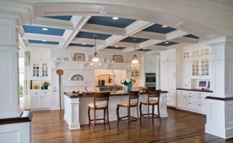 Балочный подвесной потолок с гипсокартонным заполнением кессонов