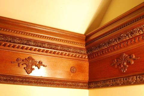 Деревянный плинтус отличается высокой декоративностью