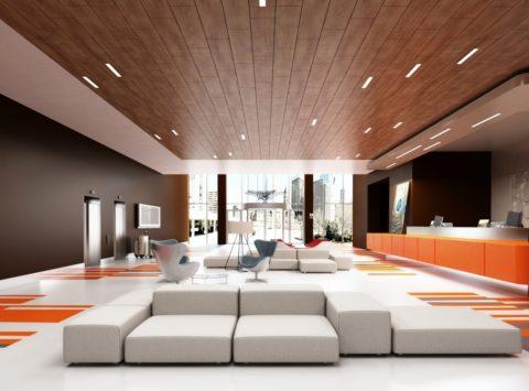 Деревянный потолок со встроенными светильниками