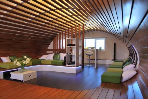 Деревянный реечный потолок открытого типа