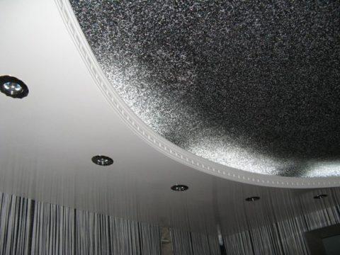Диодная подсветка создает эффект мерцания рельефного покрытия с декоративным наполнителем