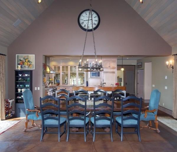 Дизайн комнаты со скошенным потолком