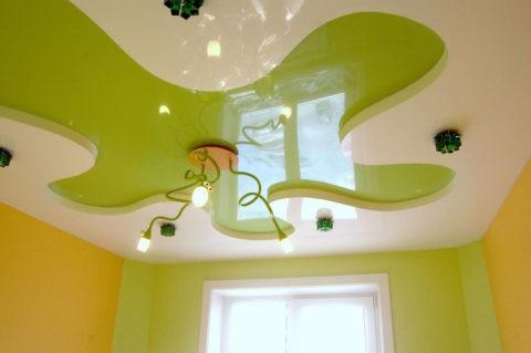 Дизайн натяжных потолков в детской отличается креативностью и оригинальным исполнением