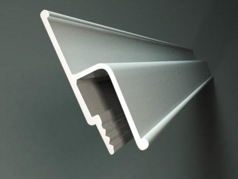Для криволинейных стен целесообразней использовать виниловый багет