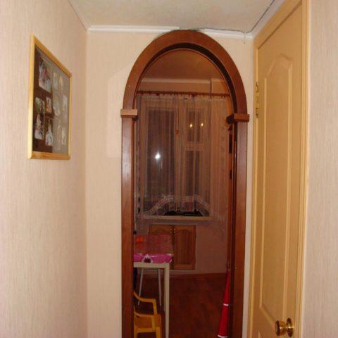 Дверной проем с аркой