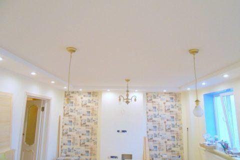 Двухуровневый потолок с разнообразной подсветкой