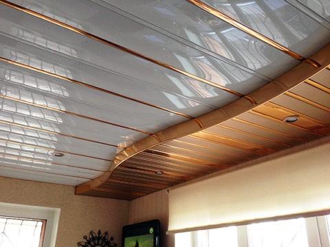 Двухуровневый реечный потолок