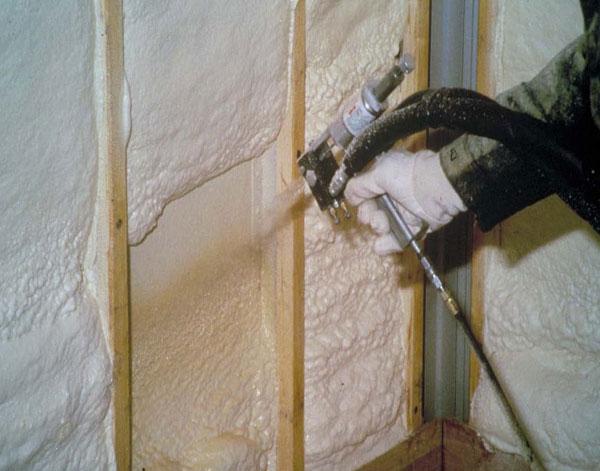 Гидроизоляция и утепление стен пенополиуретаном