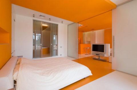 Гипсокартонные потолки для спальни оранжевого цвета