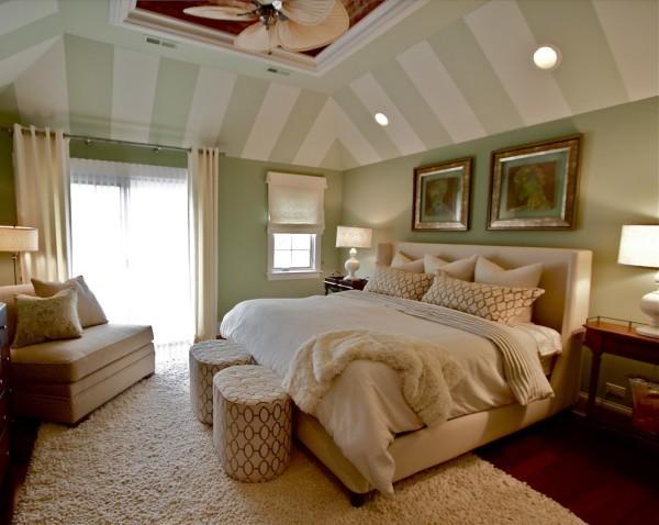 Гипсокартонный потолок, оклеенный обоями