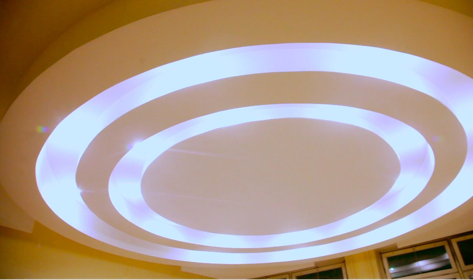 вылетела фото потолок из гипсокартона спираль растет любой среде