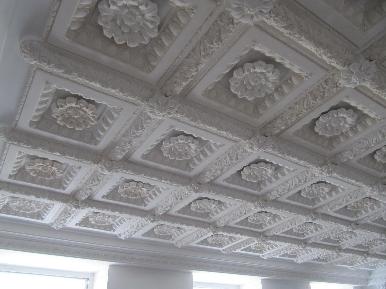 Гипс потолок картинка