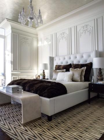 Глянцевое виниловое покрытие в спальне