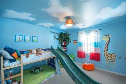 Голубая цветовая гамма является универсальной и подходит детям любого пола