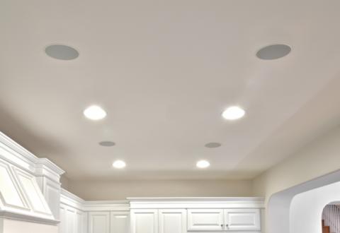Интересное решение – акустика, встраиваемая в потолок