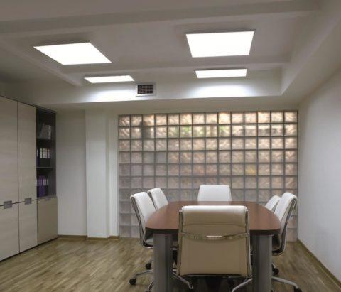 Кабинет с освещением led-панелями