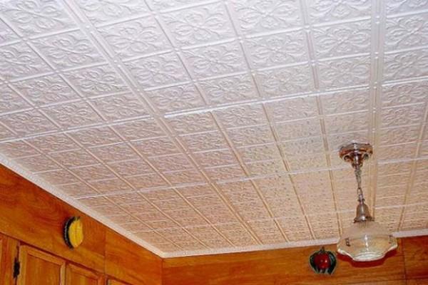Бесшовный монтаж плитки на потолок