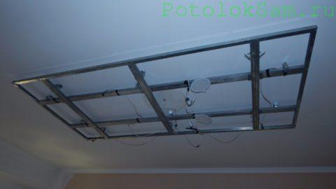 Каркас под центральный короб с встроенными светильниками