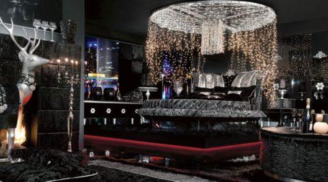 Клубная тема: светодиодная подсветка и черный потолок