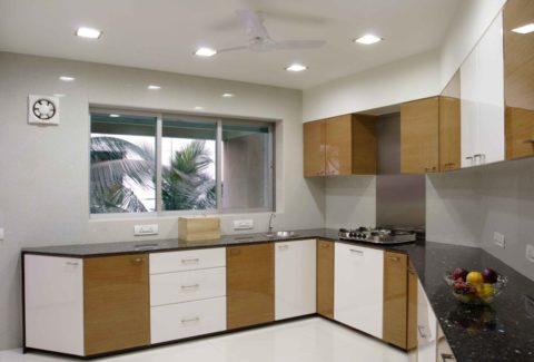 Количество и мощность ламп должны подбираться согласно площади помещения