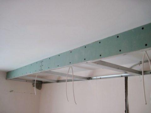 Конструкция из гипсокартона на потолке: прямой короб упрощенный