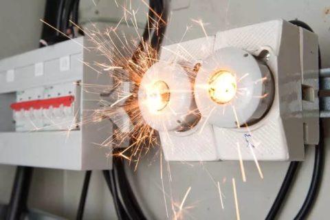 Короткое замыкание проводки может вывести из строя разные электрические приборы