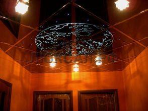 Кассетный потолок из цветного стекла