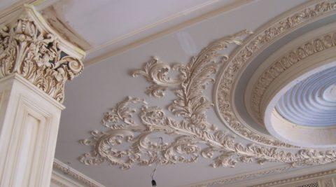 Лепной потолок и карнизы