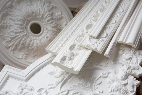 Лепные потолочные украшения